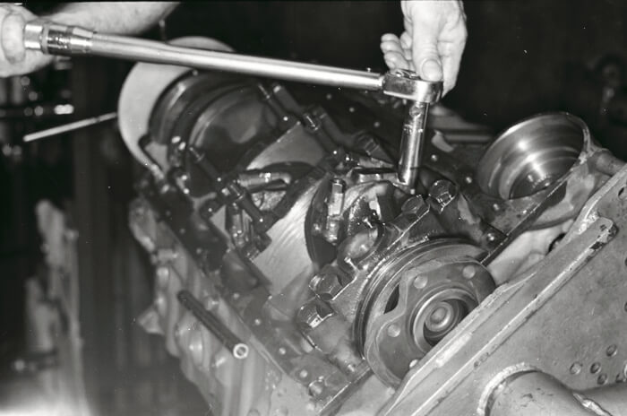 Bill Thomas 427 Camaro Engine 24