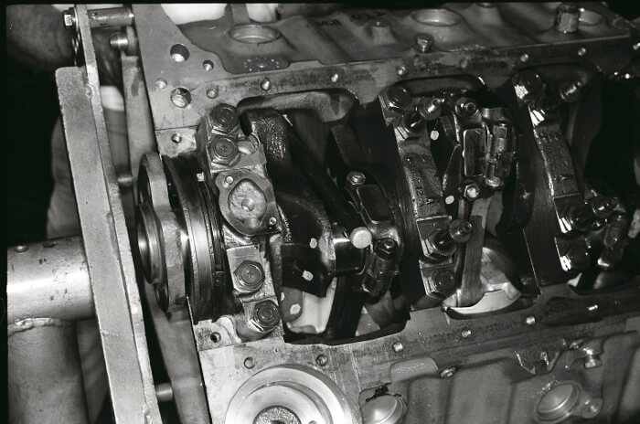 Bill Thomas 427 Camaro Engine 31