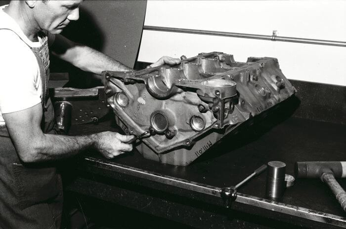 Bill Thomas 427 Camaro Engine 7