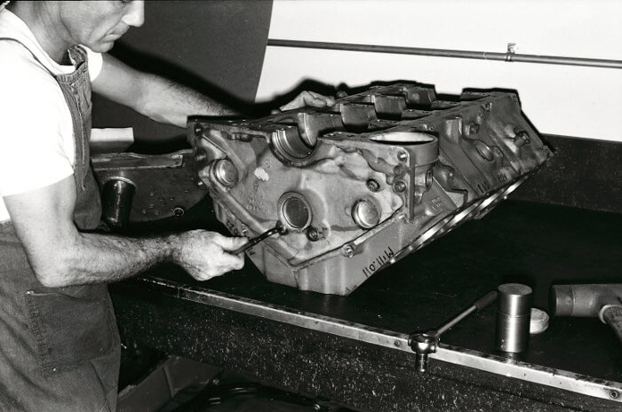 Bill Thomas 427 Camaro Engine 8