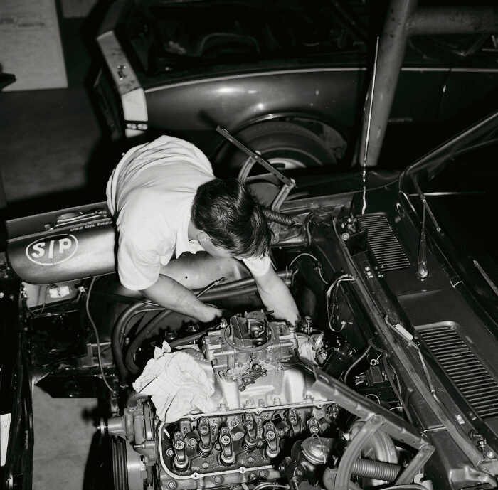 Bill Thomas 427 Camaro Engine Install 7